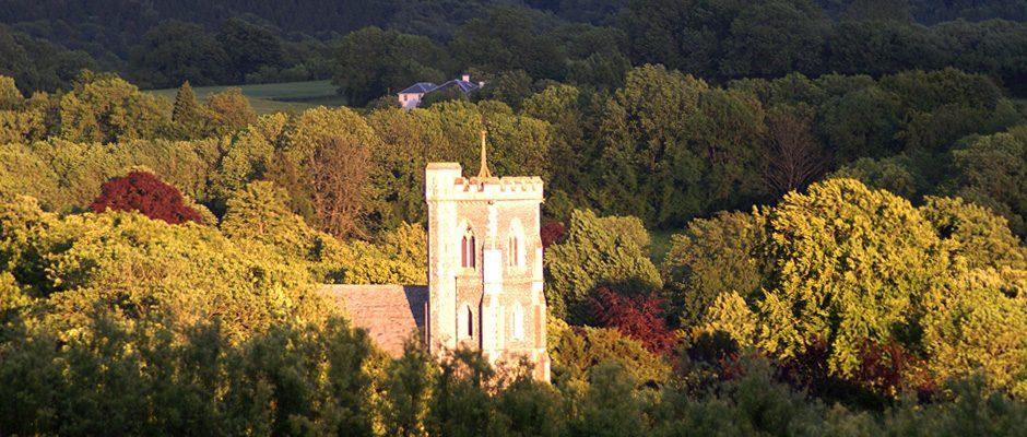 west-meon-church-and-black-hedges-farm-house